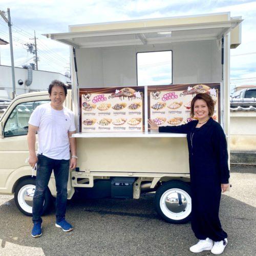 大阪府のフランチャイズオーナー様へご納車完了!キッチンカーでクレープ屋さんを開業!