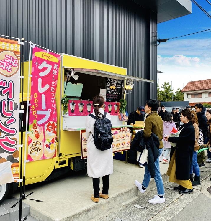 おしゃれで可愛いキッチンカー・移動販売車はどこでも大人気!イベントでは行列ができるほど集客力抜群!